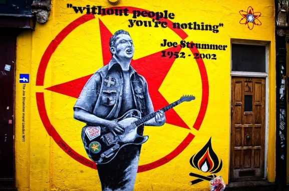 800px-Joe_Strummer_memorial_street_art_-_London_2013